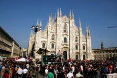 De Koepel van Milaan & mensen, de Italiaanse Dag van de Bevrijding Stock Foto