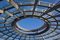 De Koepel van Reichstag in Berlijn stock foto's