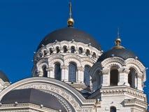 De koepels en de torens van de Orthodoxe kathedraal Stock Fotografie