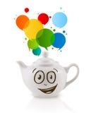 De koffie kan met kleurrijk toespraakbel samenvatten Stock Fotografie