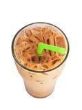 De koffie van de ijsmelk, beroemde drank in Thailand, dat op wit wordt geïsoleerd Stock Foto's