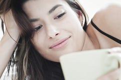 De koffie van de ochtend met een glimlach Stock Fotografie