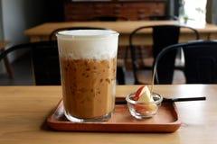 De koffie van het ijs in koffiewinkel Stock Foto