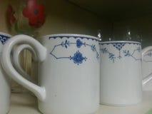 De koffie vormt mooi ontwerp tot een kom Stock Foto