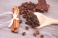De koffiehuid schrobt Royalty-vrije Stock Afbeeldingen