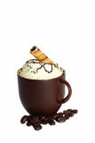 De koffiekop van de chocolade en koffiebonen. Stock Fotografie