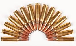 De kogels van het geweer die in een halve cirkel worden ingepakt Royalty-vrije Stock Afbeelding