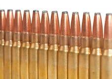 De kogels van het geweer die in een rechte lijn worden ingepakt Royalty-vrije Stock Afbeeldingen