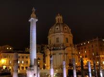 De Kolom van Trajan bij het Forum van Trajan stock afbeeldingen