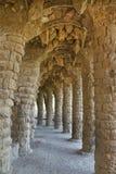 De Kolommen Barcelona van Guell van het park stock foto's