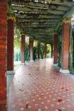 De kolommen in het park royalty-vrije stock afbeeldingen