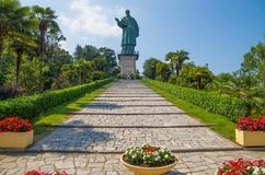 De kolos van San Carlo Borromeo in Arona stad, de provincie van Novara, Maggiore-meer, Piemonte-gebied, Italië stock foto
