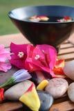 De Kom van de Bloem van Aromatherapy royalty-vrije stock fotografie