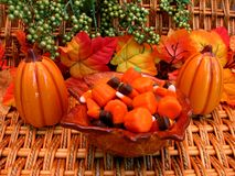 De kom van de herfst van suikergoed Stock Foto's