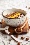 De Kom van Smoothie van de chocoladehazelnoot Stock Afbeelding