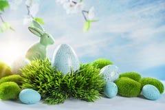 De konijnen en de eieren van Pasen Royalty-vrije Stock Fotografie