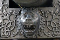 De Koning Cannon van het tsaarkanon in Moskou het Kremlin, leeuwhoofd Stock Afbeeldingen