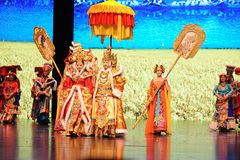 De Koning Song Xan Gan Bbu van Tibet en de schaalscenario's show† van Prinseswencheng-large de weg legend† Stock Afbeelding