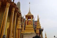 DE KONINGEN BUITENbouw IN BANGKOK THAILAND stock foto's