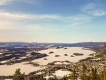 De Koningenweergeven van de winterkongens Utsikt, Noorwegen stock afbeeldingen