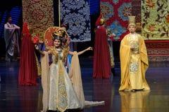 De koningin nam de prijs-tweede handeling: een feest in de van het paleis-heldendicht de Zijdeprinses ` dansdrama ` stock foto