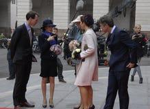 DE KONINKLIJKE FAMILIE KOMT BIJ HET DEENSE HET PARLEMENT OPENEN AAN Royalty-vrije Stock Fotografie