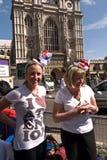 De koninklijke kampeerauto's van het Huwelijk, de Abdij van Westminster. Stock Fotografie