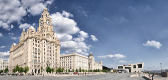 De koninklijke Leverbouw te de waterkant in Liverpool Stock Afbeelding
