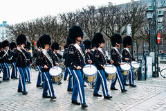 De Koninklijke Wachten die Band marcheren Royalty-vrije Stock Afbeeldingen