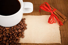 De kop, de gewassen en het document van de koffie Stock Foto's