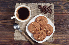 De kop en de chocoladekoekjes van de koffie Stock Foto