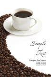 De kop en de korrel van de koffie Stock Foto's