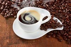 De Kop en de Schotel van de koffie Stock Foto