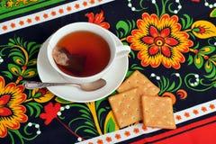 De Kop thee op kleurrijke tafelkleden Royalty-vrije Stock Fotografie