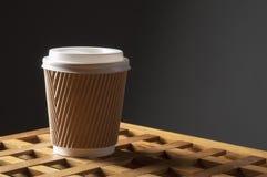 De kop van de Diisposablekoffie Stock Foto's