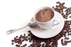 De kop van de koffie en koffiebonen Royalty-vrije Stock Afbeelding