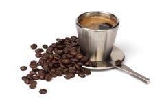 De kop van de koffie met koffiebonen Royalty-vrije Stock Afbeeldingen