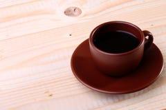 De kop van de koffie op de lijst Royalty-vrije Stock Afbeeldingen