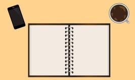 De kop van de notitieboekjetelefoon van koffie op de lijst Royalty-vrije Stock Afbeeldingen
