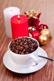 De kop van Kerstmis koffiebonen Royalty-vrije Stock Foto