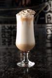 De kop van koffie drinkt cocktail Stock Afbeelding