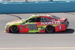 De Kopbestuurder Dale Earnhardt Jr van de monsterenergie NASCAR stock fotografie