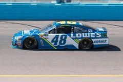 De Kopbestuurder Jimmie Johnson van de monsterenergie NASCAR Royalty-vrije Stock Afbeelding