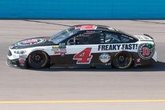 De Kopbestuurder Kevin Harvick van de monsterenergie NASCAR Royalty-vrije Stock Foto's
