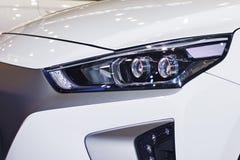 De koplamp van de auto is close-up royalty-vrije stock fotografie