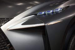 De koplamp van Lexus LF-NX stock fotografie