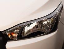De koplampen van auto's royalty-vrije stock foto's