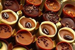 De koppen van de chocolade stock afbeelding