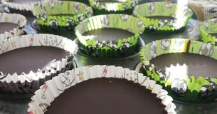 De koppen van de chocoladepindakaas Stock Foto