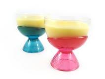De koppen van de het dessertroom van de pudding stock foto